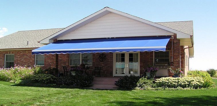 Retractable Awnings St. Louis MO| Solar Shades St. Louis | Shade Your World  Inc.